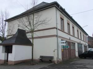 Alte Schule mit ursprünglich zwei, später vier Schulsälen