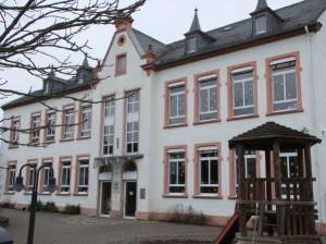 "Die ""Neue Schule"" (heute Meulenwald-Schule) am Steinerbaum (heute Isseler Straße)"
