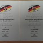 Die Urkunden dokumentieren die erfolgreiche Teilnahme